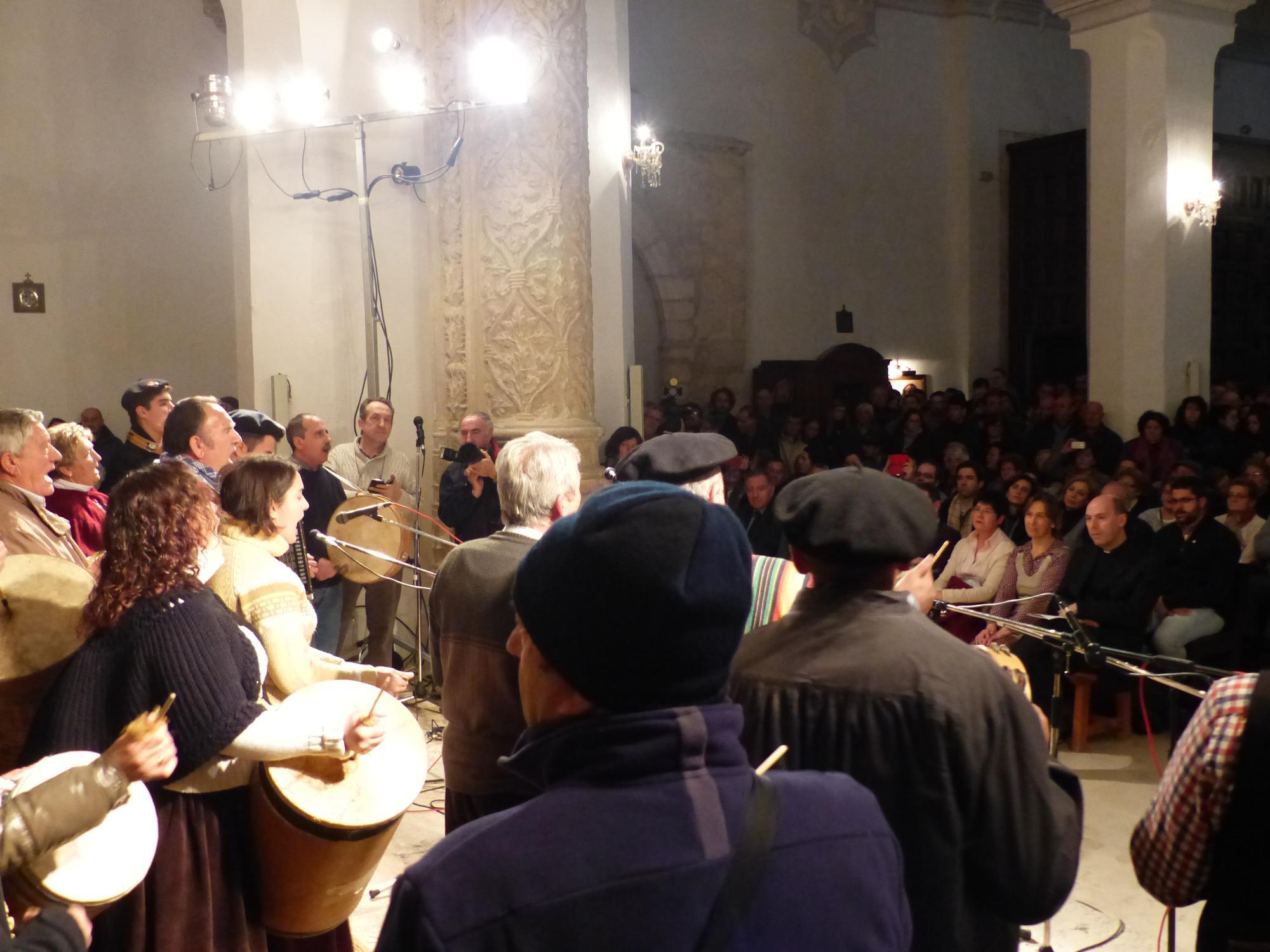 """Ana Guarinos: """"Las rondas de nuestra provincia son el mejor reclamo para contagiarse de la alegría y el espíritu navideño"""""""