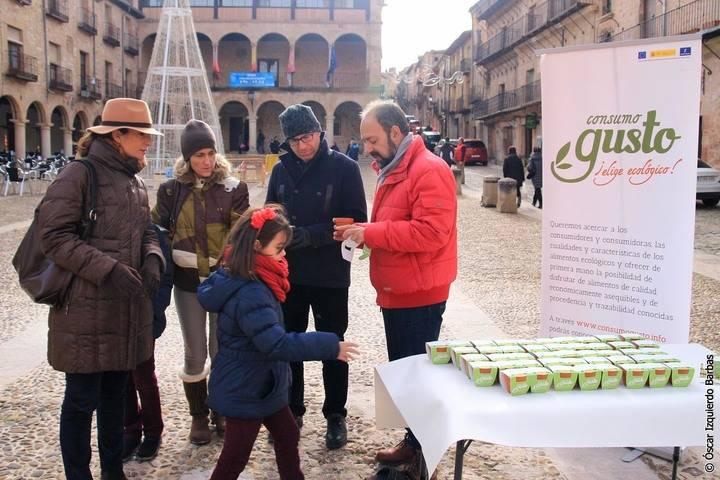 """La campaña """"Consumo Gusto, Elige Ecológico"""" culmina con el reparto de semillas en Guadalajara"""