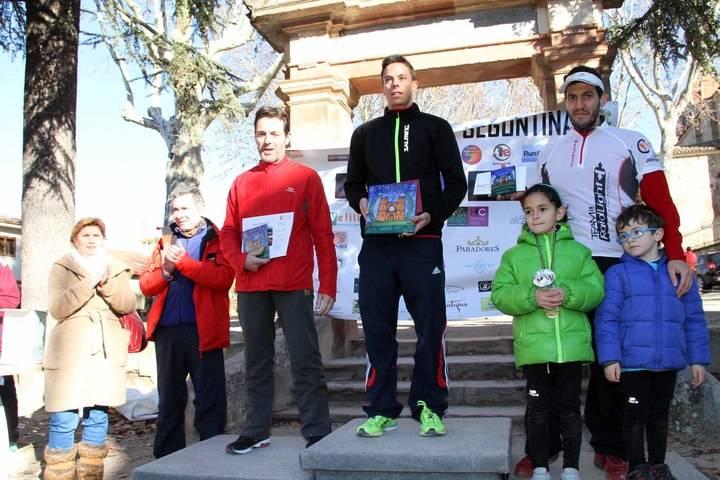 Quinientos corredores despiden deportivamente el año en la IV San Silvestre Seguntina