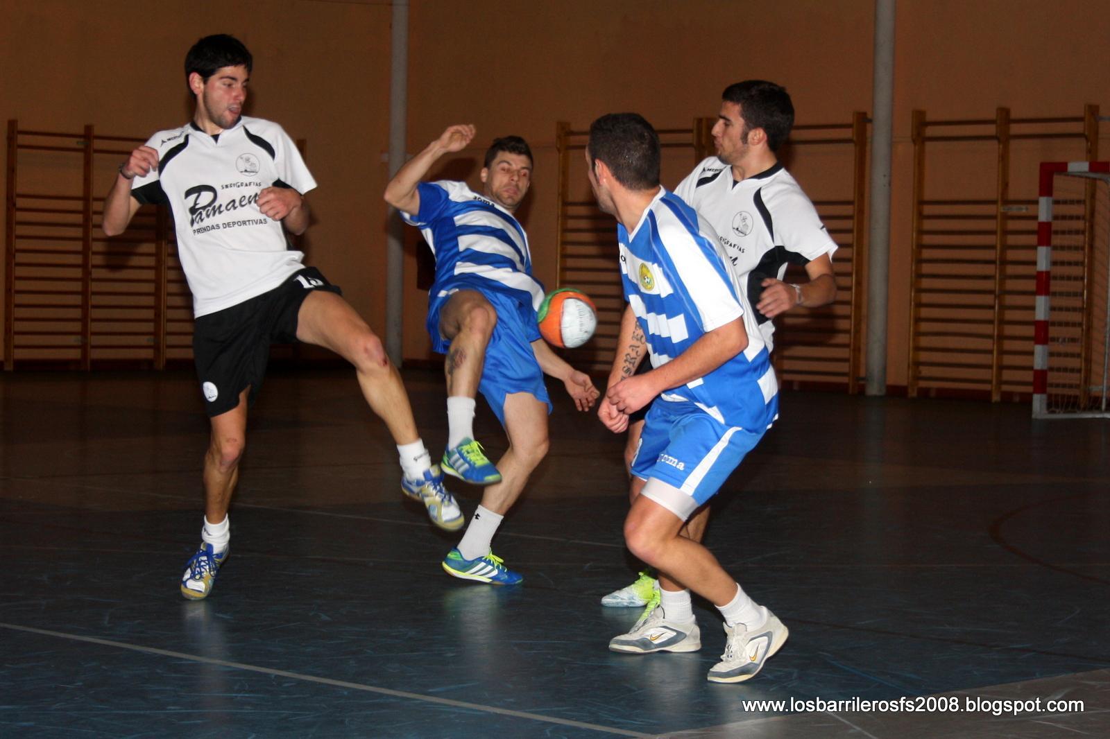 Yunquera celebrará el próximo sábado el III Torneo de Navidad de Fútbol Sala organizado por Los Barrileros F.S.