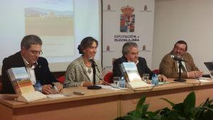 La presidenta de la Diputación presenta el libro 'Crónica histórica de la villa de Fuentelahiguera' de Luis Antonio Martínez