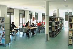 Casi 300 estudiantes se benefician de la ampliación del horario de la biblioteca de Azuqueca de Henares en la primera semana