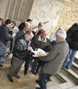 Brihuega festeja con música, roscas y chascarrillos a San Antón