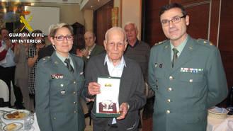 La Comandancia de la Guardia Civil de Guadalajara homenajea a un Guardia Civil retirado en el día de su centenario