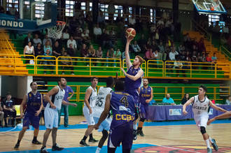 Lucentum Alicante mantiene su segunda plaza en un partido con un final de infarto