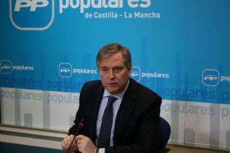 Cañizares indica que los ciudadanos perciben a un PP que representa la solución y a un PSOE que representa el pasado, entregado al radicalismo de Podemos