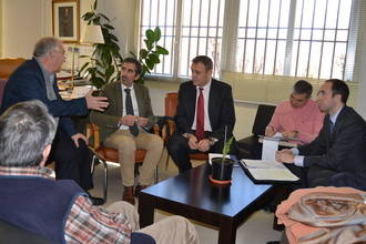Junta de Comunidades y Subdelegación del Gobierno mantienen una reunión de coordinación de cara a las próximas elecciones municipales y regionales
