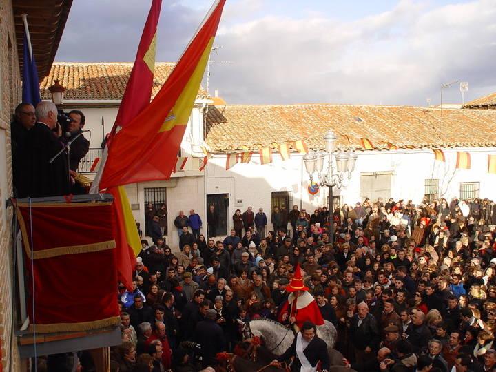 Emoción y colorido en la Fiesta de Las Candelas de El Casar