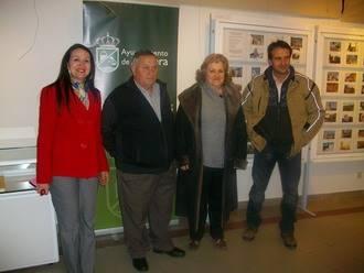 La biblioteca municipal de Alovera inauguró la exposición de fotografías de iglesias de la provincia de Pedro de Diego