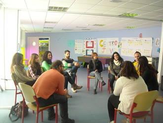 El alumnado del Curso del Certificado de Profesionalidad de Información Juvenil de Cuenca visita este servicio en Alovera