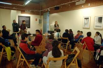 Dos grupos de escolares participan en un taller organizado por Diputación sobre el valor de la poesía en la enseñanza