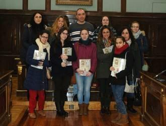 Un grupo de alumnas de la Escuela Familiar Agraria (EFA) de Humanes visita el Palacio Provincial