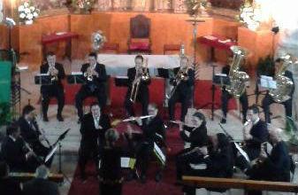 Un momento del concierto de la Banda de Musica de la Diputación Provincial en la Iglesia de San Benito Abad.