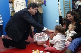 """Echániz: """"La apuesta del Gobierno de Cospedal por la Atención Temprana es clara: Más niños atendidos y más inversión"""""""
