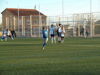 El Yunquera emplea una gran labor de equipo para vencer al Cabanillas (2-0)