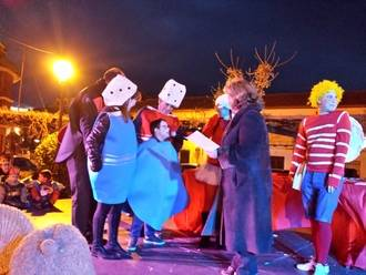 Alovera se disfrazó de colores e imaginación para celebrar el Carnaval