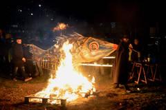El Carnaval 2015 de Azuqueca de Henares se cerró con la 'quema de la sardina'