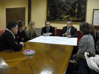 El Ayuntamiento inicia una ronda de reuniones con diferentes asociaciones para explicarles los cambios de los autobuses