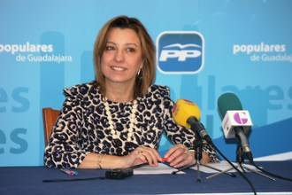 """Encarna Jiménez: """"Rajoy y Cospedal trabajan por conseguir una economía más saneada y más transparente que permita seguir creciendo y crear empleo"""""""