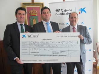 Cabanillas recibe otros 3.000 euros de 'la Caixa' para ayudar a las familias con menos recursos a evitar que les corten el suministro de luz y gas