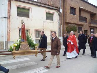 El Alcalde de Guadalajara acompaña a los vecinos de Valdenoches en la celebración de San Blas
