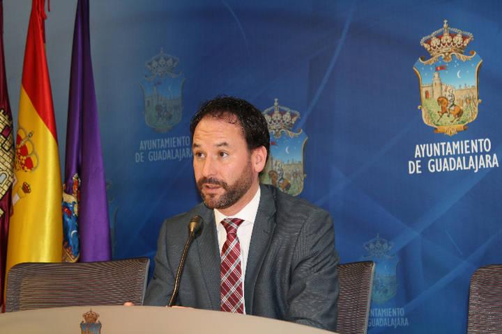 """Luis García: """"El PSOE volverá a asfixiar a los vecinos con abusivas subidas de impuestos"""""""