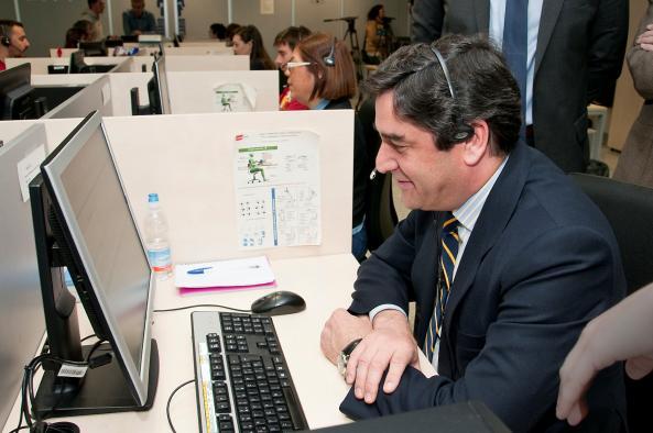 """Echániz, en Guadalajara: """"Gestionar bien las llamadas del Servicio de Teleasistencia salva muchas vidas cada año"""""""