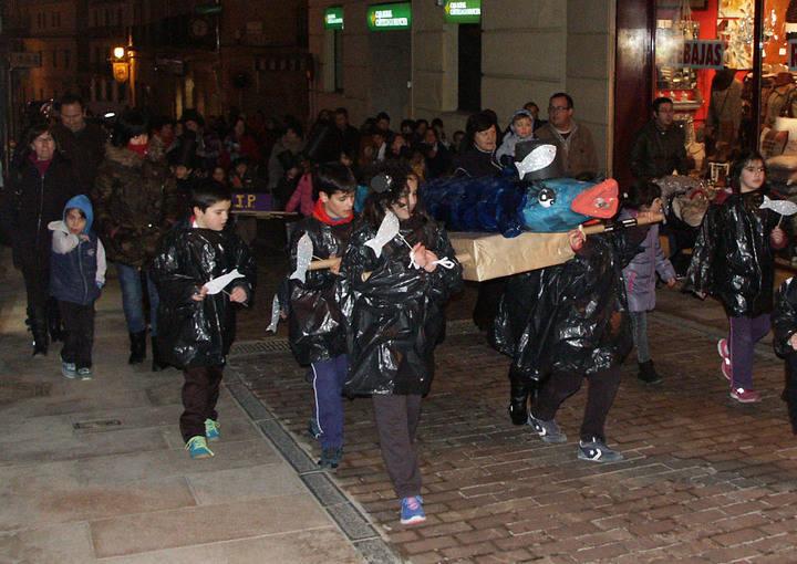 Sigüenza despide al carnaval con la quema de la sardina