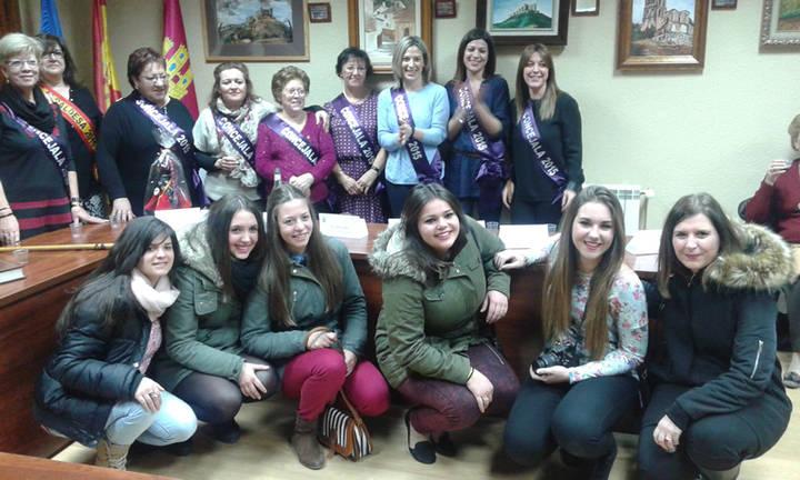 Las mujeres de Santa Águeda de Jadraque desafían al frío y se lucen de alcarreñas, celebrando su fiesta