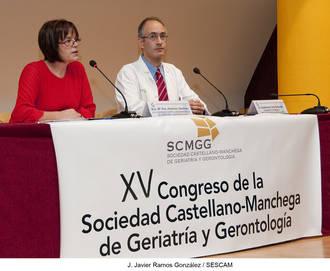 Profesionales de Geriatría abordan cómo mejorar el tratamiento de las infecciones en los mayores