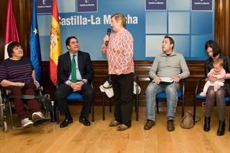 El Gobierno de Cospedal anucia 3.600 euros para cada discapacitado castellano-manchego en reformas para su casa