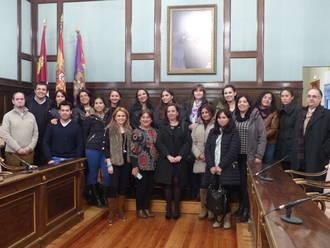 Maestros chilenos conocen la labor de la Diputación en materia de Educación