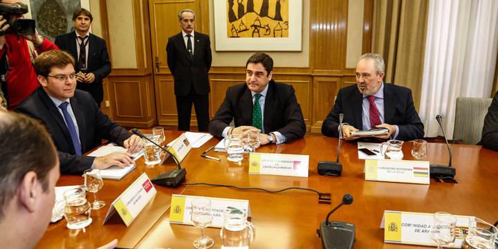 """Echániz: """"Castilla-La Mancha no va a escatimar un euro para atender a los pacientes de Hepatitis C"""""""