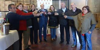 Guarinos ensalza el prestigio que aporta la Denominación de Origen de Mondéjar a los caldos que se elaboran en Guadalajara