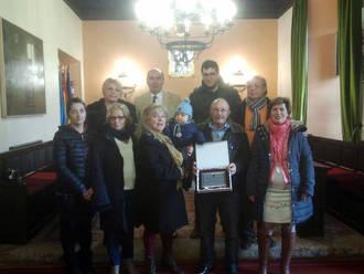 El Ayuntamiento de Sigüenza reconoce a Pepe Bodega sus años de servicio en el municipio
