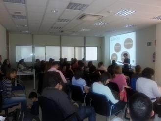 El CMI Eduardo Guitián acogió ayer un taller sobre educación infantil