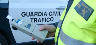 La Guardia Civil detiene a un camionero por dar una tasa de alcoholemia 6 veces superior a la permitida