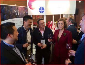 """Cospedal afirma que la Cumbre pondrá de manifiesto que los vinos de Castilla-La Mancha """"son de una calidad inmejorable"""""""