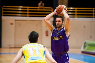 El CEBA arrasa a un Araberri que confirma su descenso a la liga EBA