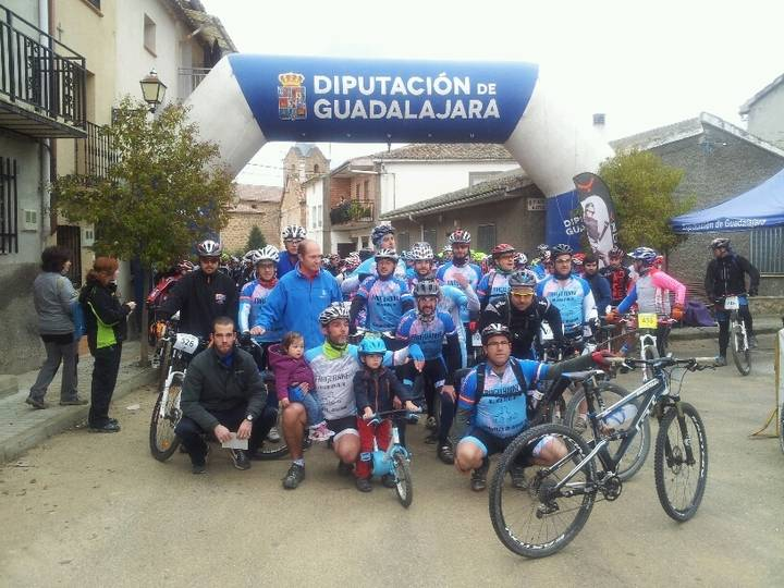 El Circuito MTB 'Diputación de Guadalajara' arranca con 380 corredores en Gárgoles de Arriba