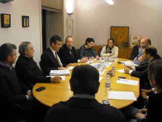 Encuentro de Antonio Román con la Junta directiva del Colegio de Arquitectos de la ciudad