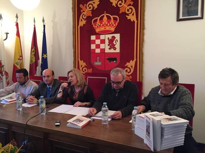 """El libro """"Fuentenovilla en la Edad Moderna"""" descubre nuevos personajes históricos de la localidad"""