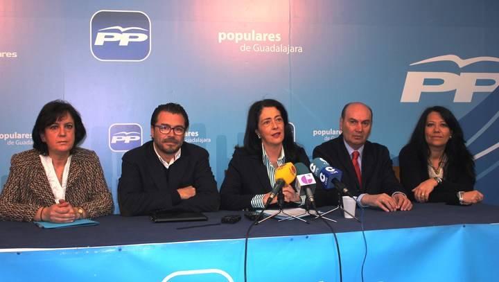 """Los 5 diputados regionales del PP muestran su satisfacción """"porque gracias a Cospedal se ha terminado la sanidad de los territorios"""""""