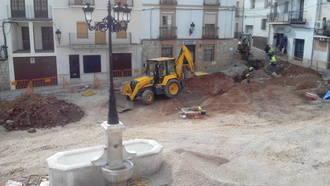 El PP de Horche consigue que el alcalde socialista convoque un pleno extraordinario sobre las obras de la Plaza Mayor