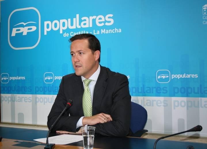 """Velázquez destaca que """"en la región hemos pasado de la ruina con el PSOE a la recuperación con la presidenta Cospedal"""""""