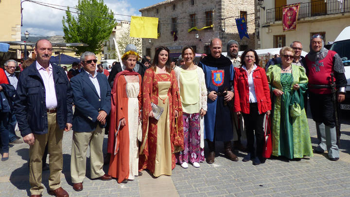 Ana Guarinos ensalza el gran potencial de Pareja y la implicación del pueblo en su Feria Medieval