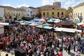Más de 4.500 personas visitan la II Feria Medieval de Pareja