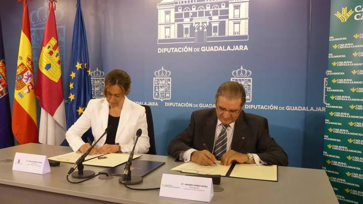 La Diputación y Caja Rural Castilla-La Mancha colaboran para incentivar la creación y mejora de microempresas en la provincia