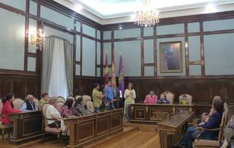 Un centenar de personas conocen la Diputación a través de las visitas guiadas con motivo del 202 aniversario