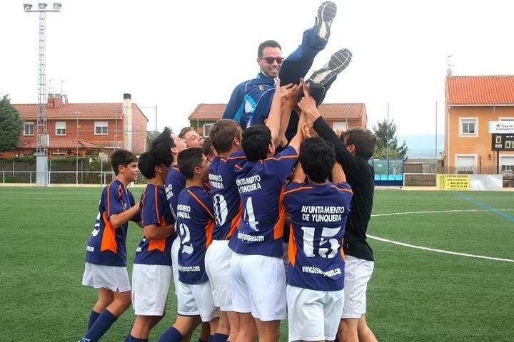 La sección de fútbol del Basket Yunquera consigue su primer título de la mano del equipo Cadete